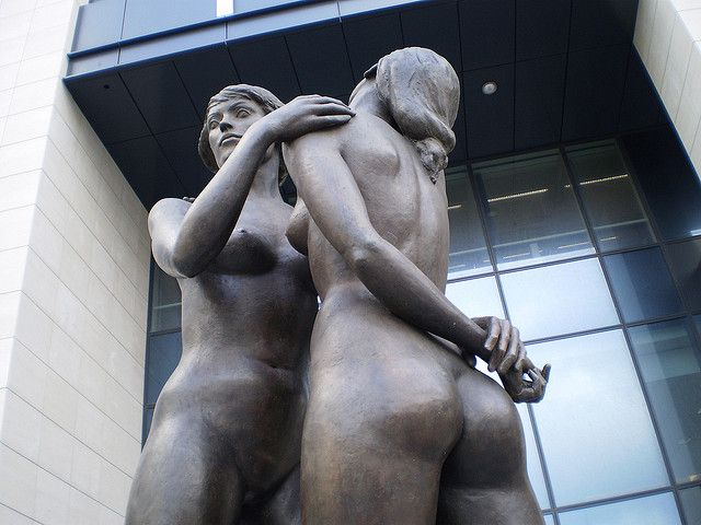 Sculpture Female Nudes Embracing 6 - Finance Tower Brussels