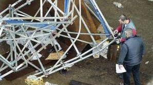 La passerelle du Queen Mary II s'effondre le 15 novembre 2003
