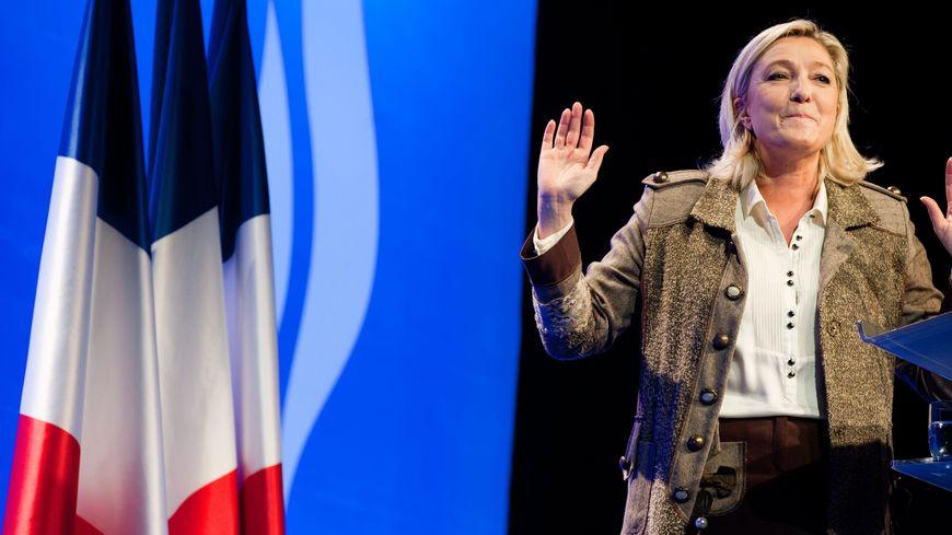 Marine Le Pen lors du lancement de la campagne des municipales du Front National le 17 novembre 2013