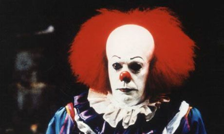 Pennywise (Tim Curry) in It