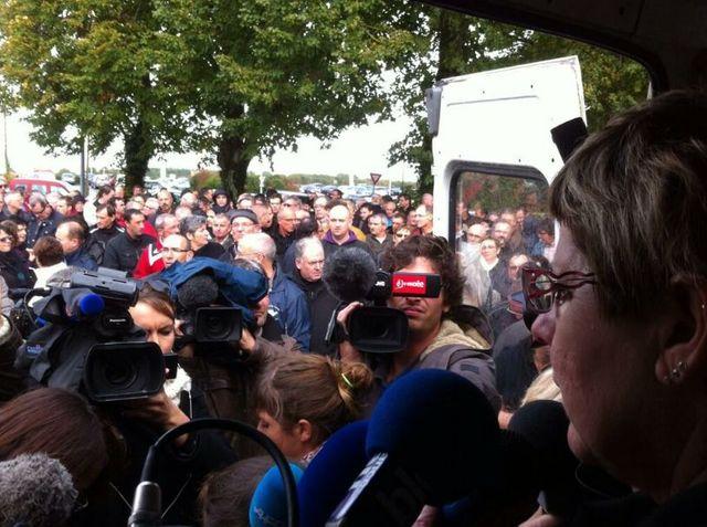 Marie Molière de la CGT de  Fagor Brandt de La RochesurYon, annonce la demande de mise en cessation de paiement