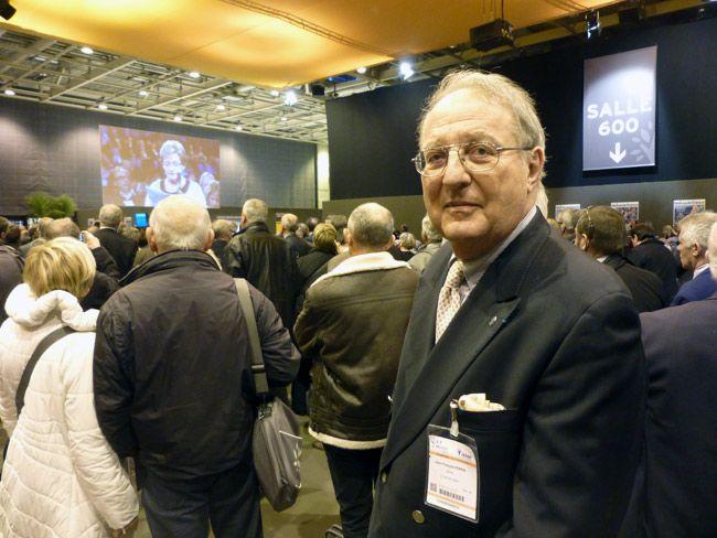 Au 96ème congrès des maires de France, Jean-François Perrin, maire d'une petite ville de l'Isère.