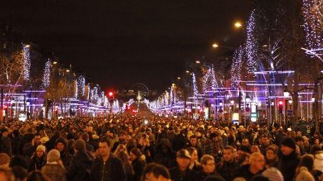 Beaucoup de monde à Paris pour la Saint-Sylvestre