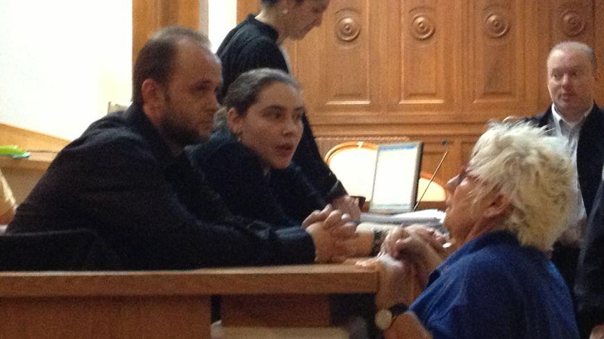 Les parents de la petite Océane dans la salle du tribunal
