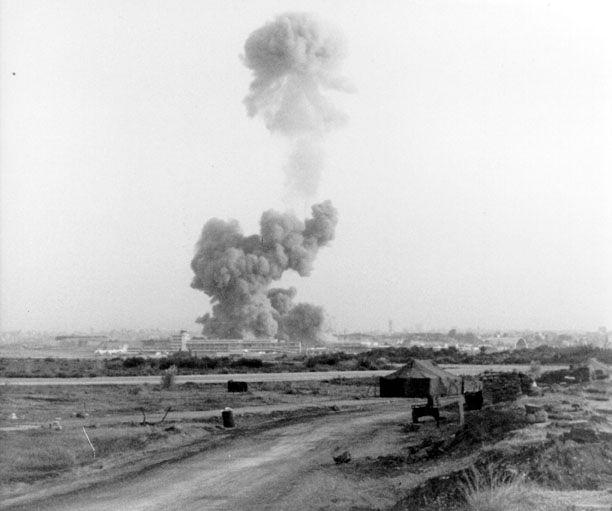 Explosion du bâtiment des Marines à Beyrouth le 23 octobre 1983 quelques minutes avant celle du Drakkar