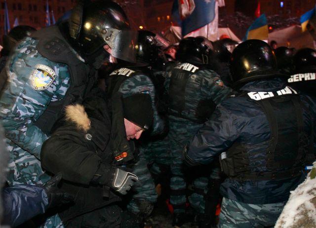L'assaut place de l'Indépendance à Kiev