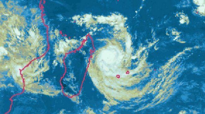 L'île de La Réunion placée en alerte cyclonique