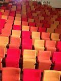 """Les 852 sièges du studio 104 relookés avec trois couleurs différentes pour donner un effet """"salle remplie"""" lorsque les orchestres y répéteront. (DR)"""
