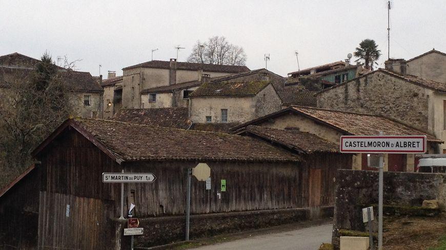 Le village de Castelmoron-d'Albret, une cinquantaine d'habitants, est déjà entré en campagne électorale.