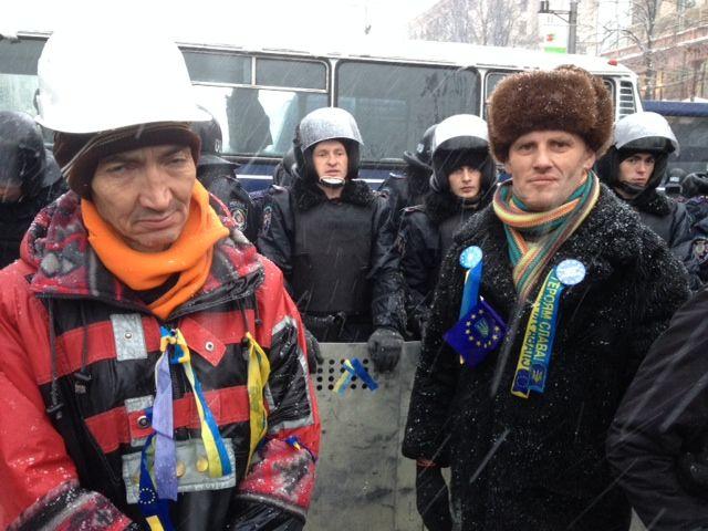 Les manifestants repoussés par la police à Kiev