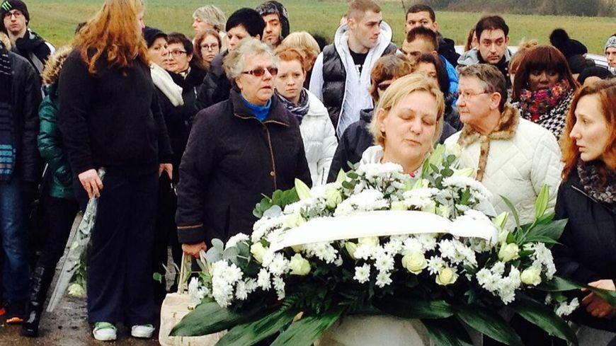 Marche blanche en hommage à Carmelo Castronovo.