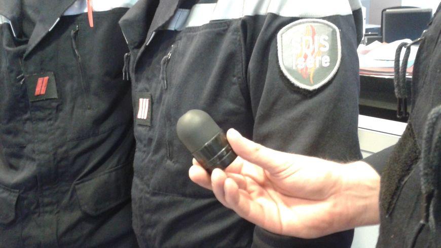 Une balle de gomme-cogne tirée sur les pompiers devant la Préfecture de l'Isère ce vendredi matin