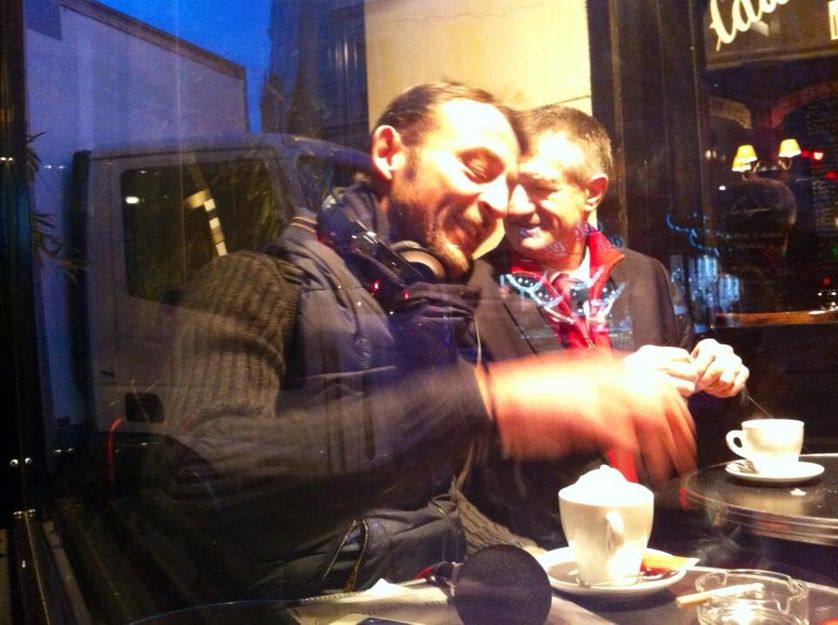 Autour d'un café chaud, Marc Voinchet et le député marcheur Jean Lassalle