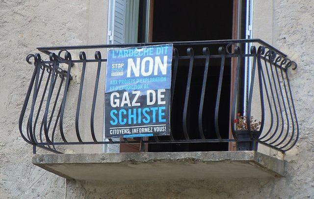 Banne (Ardèche) - opposition à l'extraction des gaz de Schiste