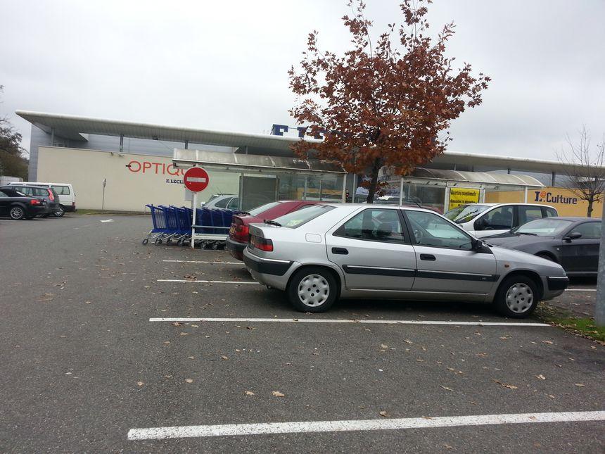 Le parking où s'est déroulé l'agression