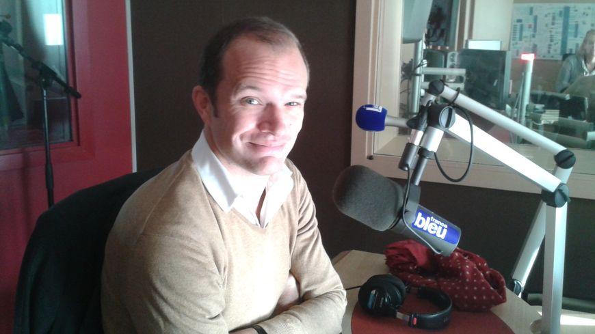 Charles Guivarch, l'administrateur de l'ONBA dans le studio de France Bleu Gironde