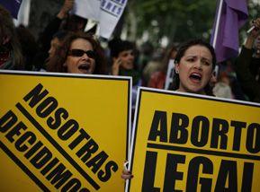 Manifestation pro-avortement en Espagne