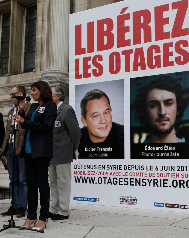 Mobilisation de MSF à l'Hôtel de Ville pour la libération de Didier Francois et Edouard Elias