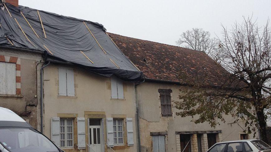 Orages Dordogne : les trous des grêlons encore visibles