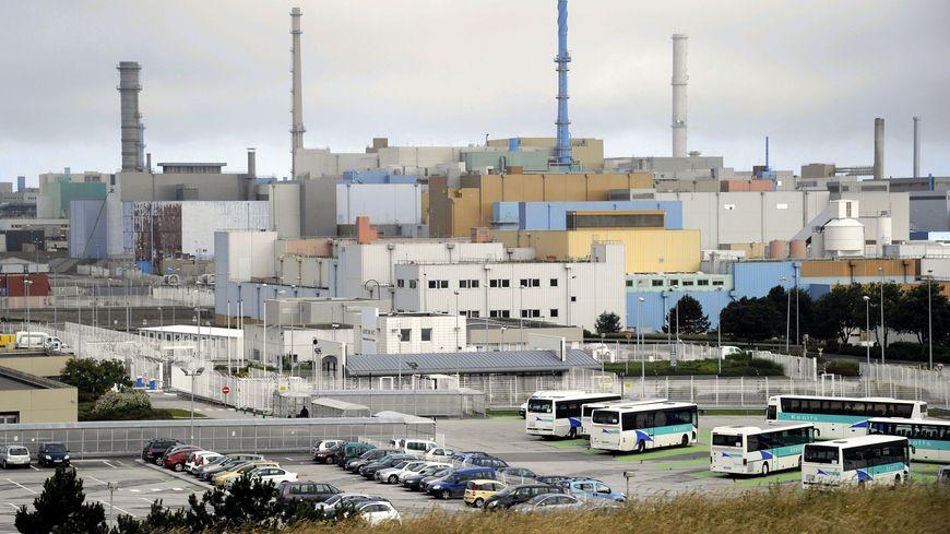Le site AREVA de La Hague, premier centre de recyclage industriel de combustibles nucléaires usés.