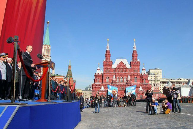 Poutine, lors des célébrations pour le 68e anniversaire de la victoire de 1945, le 9 mai 2013