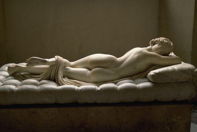 Hermaphrodite dormant au Louvre