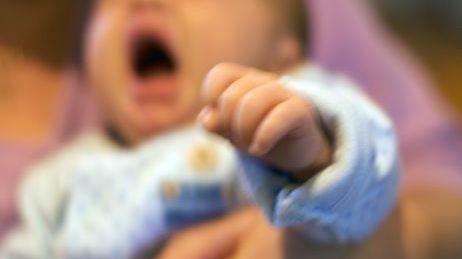 Bébé qui pleure (illustration)