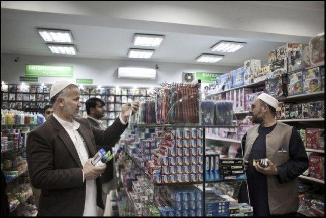 """Le supermarché""""Finest"""" ouvert en 2006 à Wazir Akbar Khan, quartier historiquement chic de Kaboul"""