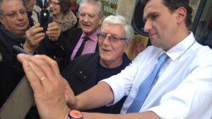 Philippe Madrelle (à l'arrière plan) était présent samedi dernier à l'inauguration du local de campagne de Vincent Feltesse