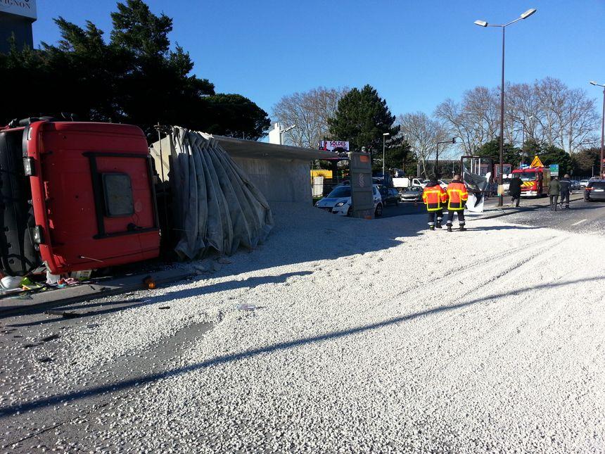Poids-lourd accidenté sur la rocade à Avignon