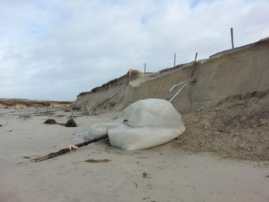 La Torche : le cable sous marin d'Orange est à découvert