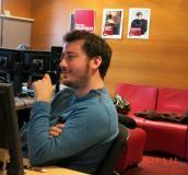 """Romain Couturier, notre découvreur de raretés discographiques, très à l'écoute ... 450 000 vinyles, 220 000 CD, deux millions de fichiers son ... une caverne d'Ali Baba sonore : la """"disco"""" de Radio France !"""