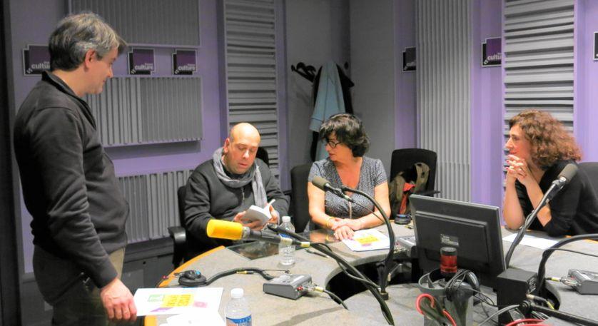 Quelques minutes avant l'émission : Olivier Saksik chargé de la presse, Sylvain Maurice, Aline Pailler & Bérangère Vantusso