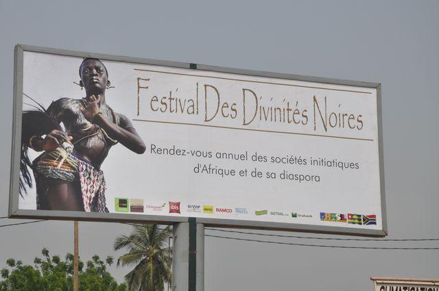 Affiche festival des Divinités
