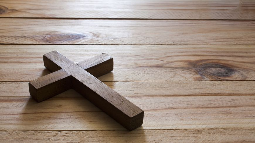 Crucifix (illustration).