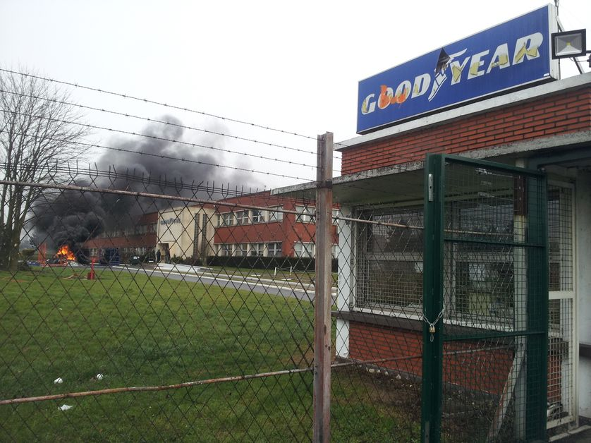 Entrée de l'usine Goodyear d'Amiens