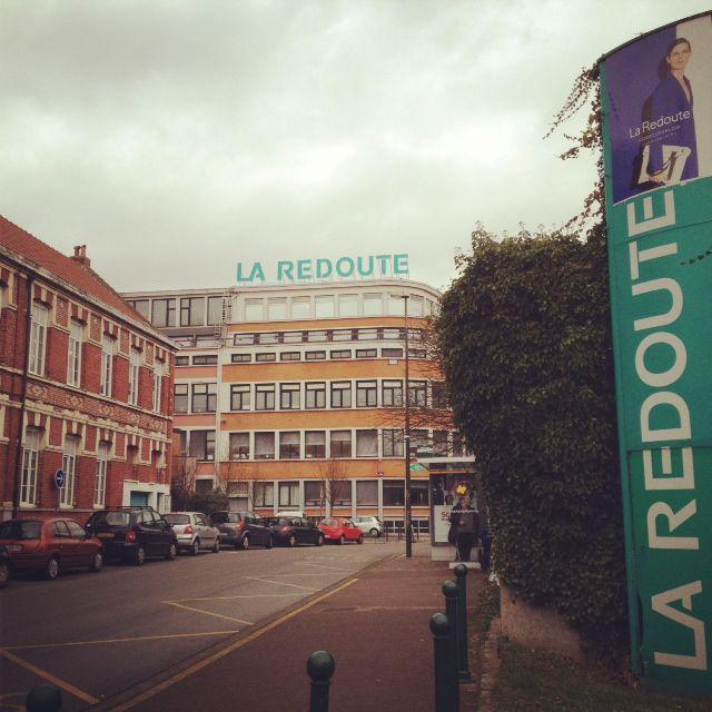 L'histoire de La Redoute est intimement liée à celle de Roubaix, où se trouve son siège.
