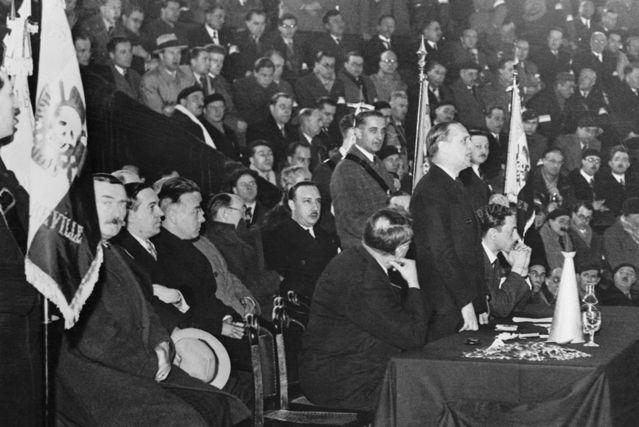 Le colonel de La Rocque lors d'un rassemblement des Croix de Feu 16 janvier 1935 à Amiens