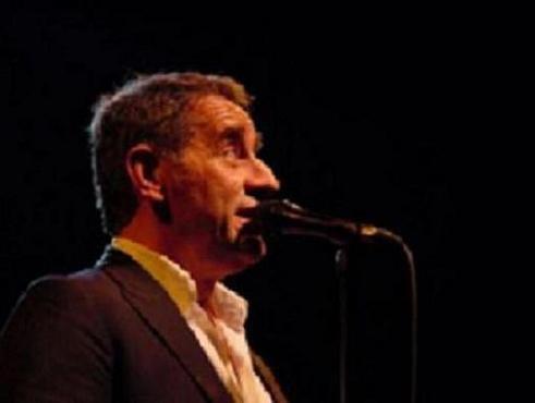 Romain Didier, auteur-compositeur et interprète. Cette année, une tournée de concerts ...