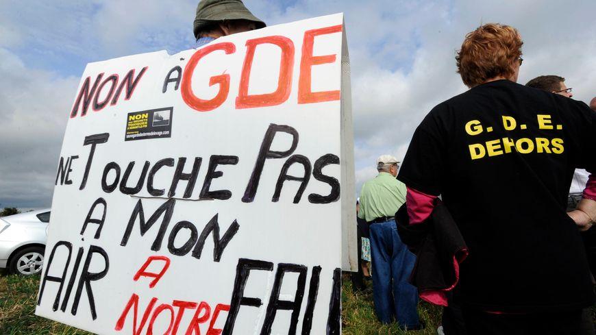 Les opposants à la déchetterie GDE de Nonant-le-Pin.