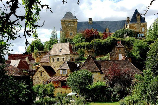 Berbiguières ( Dordogne) - Château