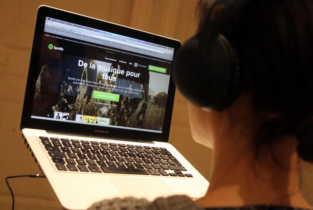 70% des Français écoutent de la musique en ligne