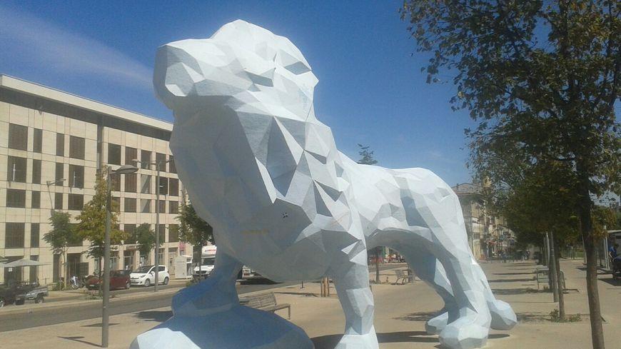 Les deux rassemblements étaient programmés au pied du Lion Bleu place Stalingrad à Bordeaux