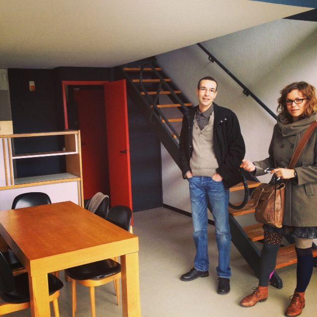 Djamel Deriche et Charlotte Odin dans l'appartement-témoin de l'unité d'habitation du Corbusier, à Firminy-vert.