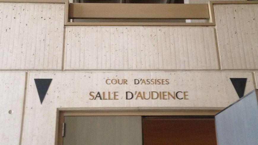 """Le tribunal a reconnu la nounou coupable de """"violences volontaires ayant entraîné la mort sans intention de la donner""""."""