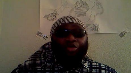 Youssouf Fofana sur une vidéo postée sur YouTube le 27 novembre 2011 (capture d'écran).
