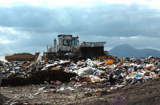L'enfouissement des déchets : une mine d'or pour la mafia