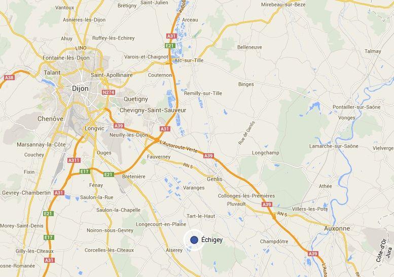 Échigey est situé à 28 km de Dijon et comptait 283 habitants en 2011.