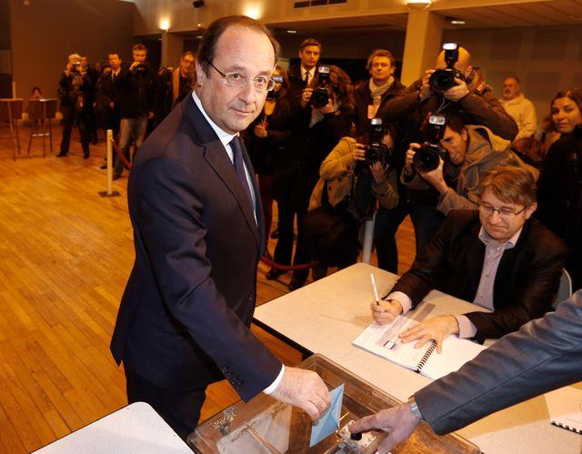 françois Hollande a voté à 11h