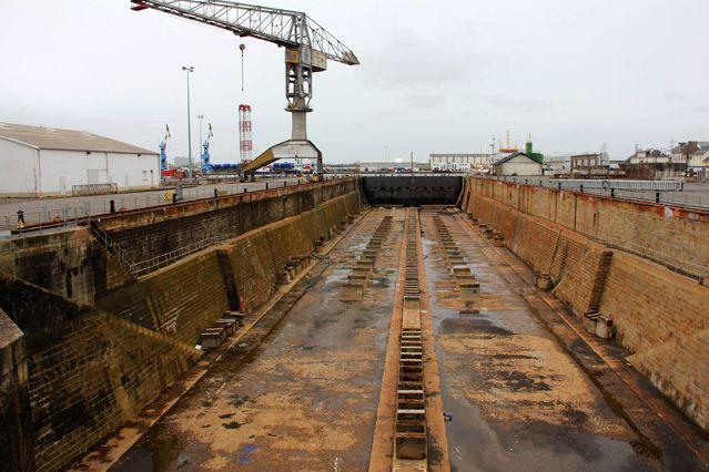 Cale sèche dans le port de St-Nazaire